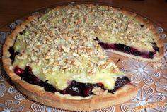 Ovocný koláč s krémem a ořechy