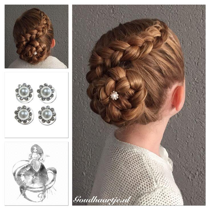 Dutch braided updo with a pretty curlie from Goudhaartje.nl  #braidedupdo #updo #dutchbraid #braid #hairstyle #curlies #hairaccessories #vlecht #haarstijl #opvlecht #haaraccessoires #goudhaartje