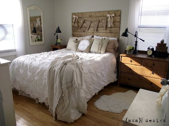 pretty: Master Bedrooms Cottages,  Comforter, Diy Headboards, Rustic Headboards, Guest Rooms, Black Lamps, Bedrooms Decor, Bedrooms Ideas, Wood Headboards