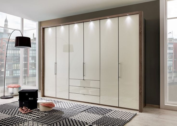 Elegant Kleiderschrank Loft Eiche mit Glas Magnolie Buy now at https