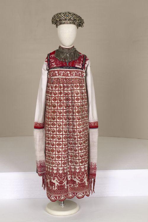 ol< Wedding dress. Late 19th century. Russians.Vologda Province