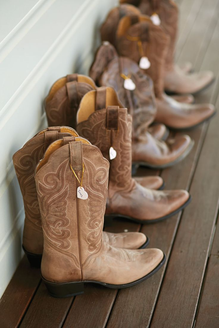 We love this 'cowboy boots' idea as a Western influence at this country wedding.
