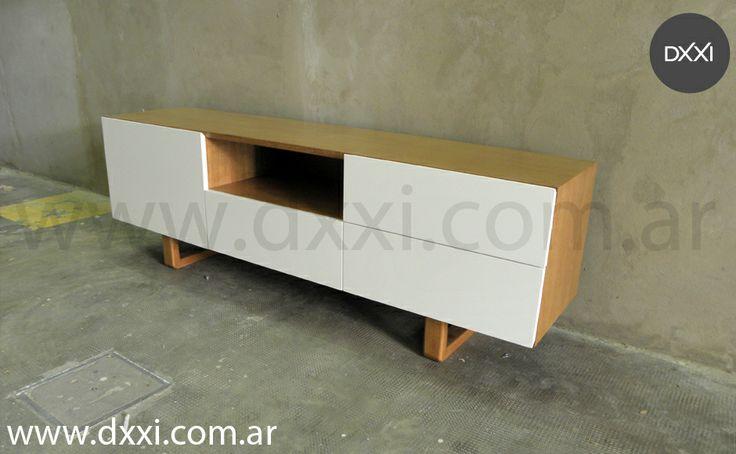 Mueble TV modelo Guemes. 170x42x50. Tres cajones con correderas telescopicas y una puerta. Cuerpo de madera enchapada en Guatambu con lustre poliuretanico color Incienso, cajones y puerta en MDF laqueado blanco semi mate, patas de madera maciza Guatambu con lustre poliuretanico color Incienso. #dxxi #muebleTV #furniture #TVtable #vintage #guatambu #mesa
