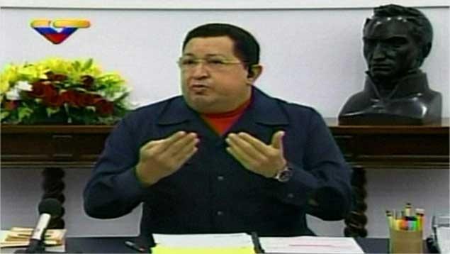 """Diario ABC: """"Vómito de sangre y dolores apuraron cirugía de Chávez"""""""