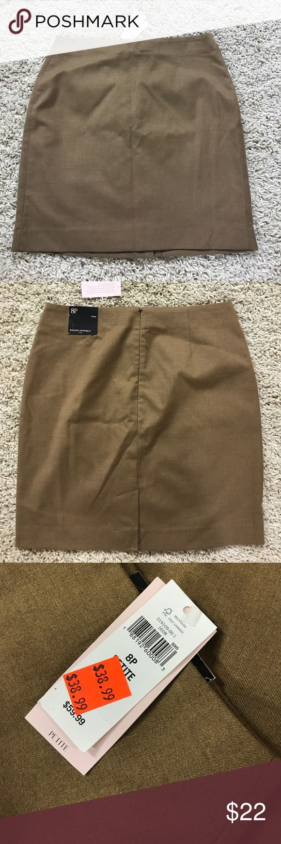 NWT camel colored pencil skirt Banana Republic Size 8P banana republic NWT - camel Banana Republic Skirts Pencil