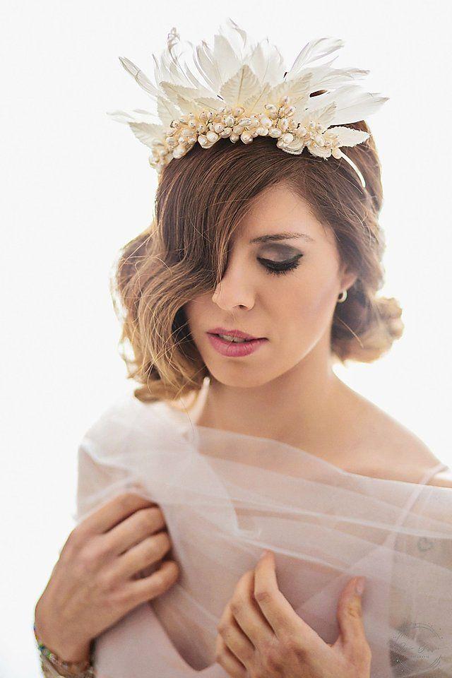 Weird Birds, Wedding Headdress, Pamela, Fancy Hats, Hat Hairstyles, Boho Chic, Feather, Hair Accessories, Glamour