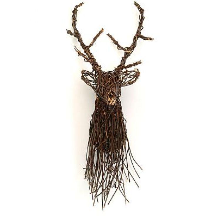 Magnifique tête de renne rustique fabriqué entièrement en vigne. Un élément de décoration original et unique pour un décor réussit.