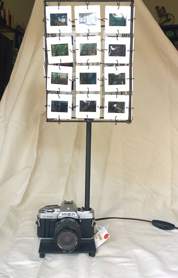 Lamp made with slides and vintage   camera   #recycling   #SLIDES   #PHOTO #IDEA #ART  #HANDMADE  #LAMP  #upcycling