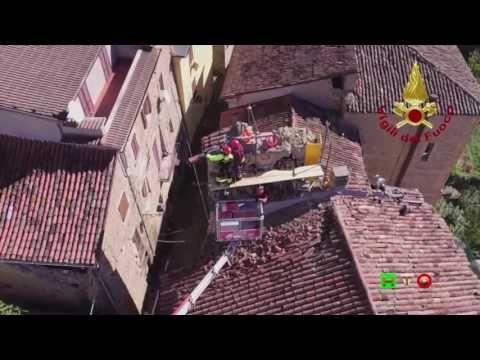 Sisma centro Italia - Soccorsi dei Vigili del Fuoco - Accumoli 17 Ottobr...