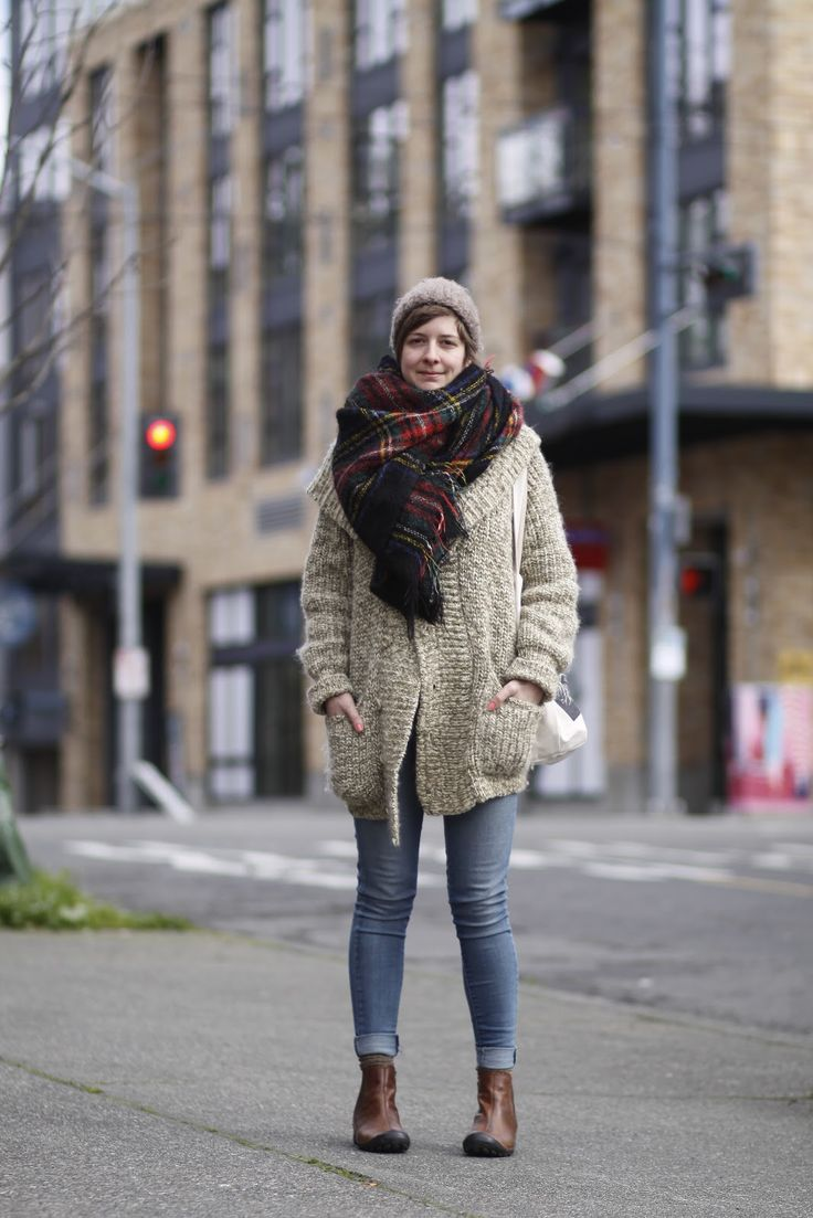 @Duncan Mackenzie this is the best thing I have seen on a Seattle street fash blog yet. Starting to think I am visiting in the wrong season. This gal is wearing a BLANKET as a scarf. Aspirational.