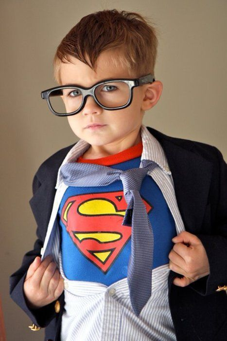 a cute take on the traditional Superman costume.  love the Clark Kent glasses!