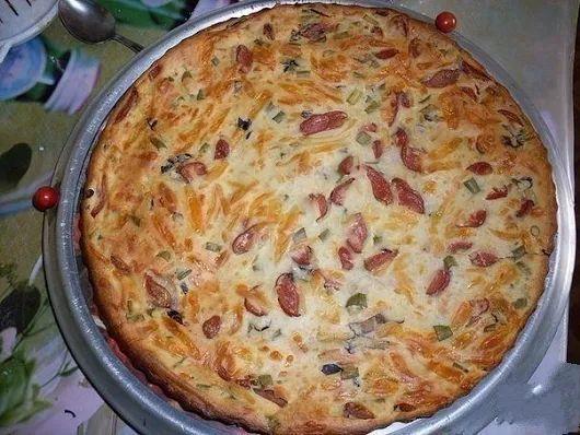 Пирог с колбасой на завтрак