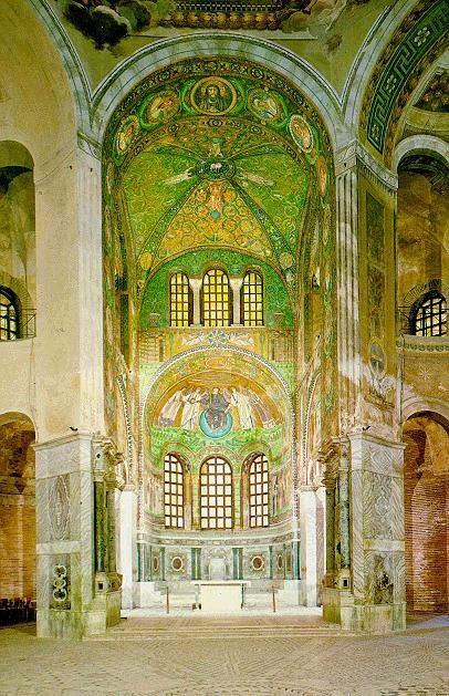 SAN VITAL DE RÁVENA (Interior). s.VI. Es la obra central de la arquitectura bizantina en Italia. Su construcción se inicia por encargo del arzobispo Ecclesio en el año 527. Se concluyó en el año 548 incluyendo las pinturas decorativas en su interior, trabajos que son considerados obras maestras del arte Bizantino. Sus formas inspiraron al Emperador Carlomagno, quien tras una visita a Rávena ordenó la construcción de la Capilla Palatina, hoy Catedral de Aquisgrán.