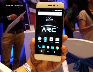 Eluga Arc First  2.5 D Curved Display Smartphone