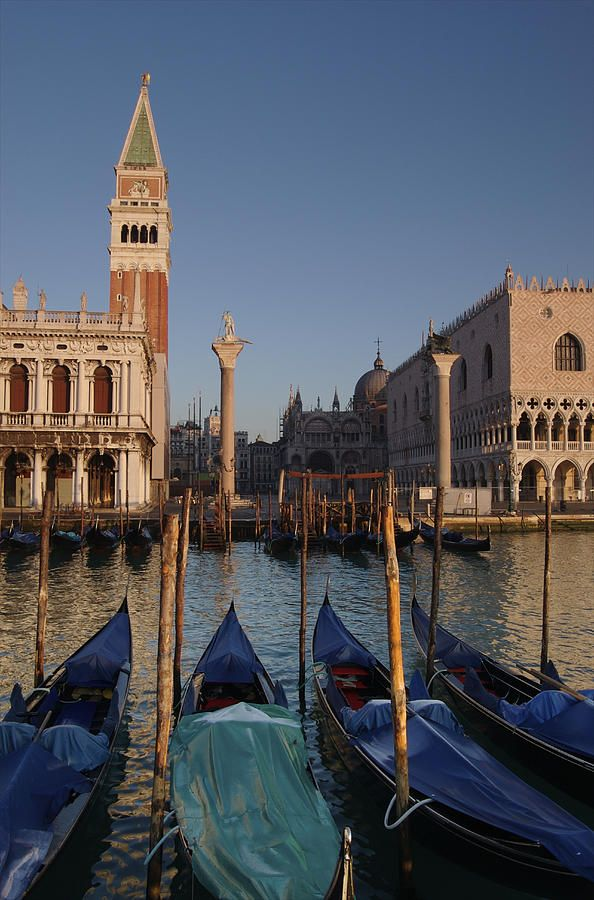 Doge's Palace and San Marcos Bell Tower -  Venice, ItalyBelle Rings, Favorite Places, Know Marco, Doge Palaces, Marco Belle, Belle Towers, Venice Italy, Cose Italian, Italy Travel