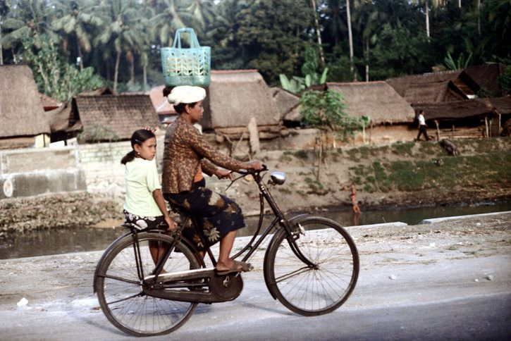 bali, indonesia 1972  part of an archival project, featuring the photographs of nick dewolf  © the Nick DeWolf Foundation Image-use requests are welcome via flickrmail or nickdewolfphotoarchive [at] gmail [dot] com