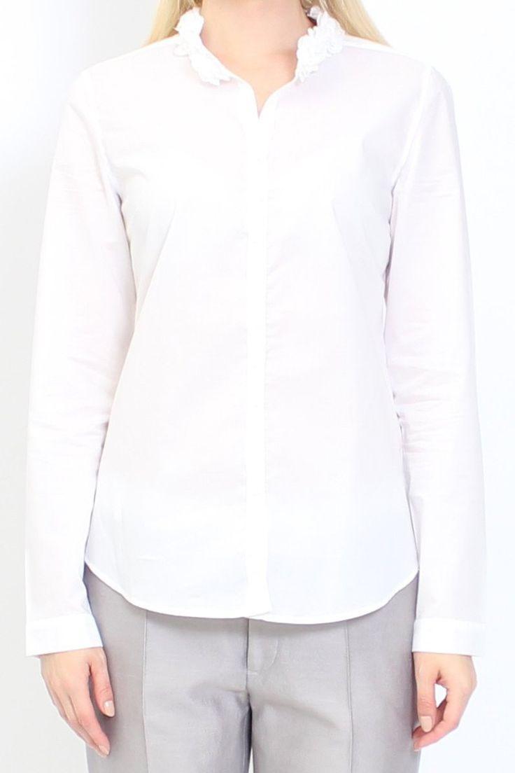 Bluse Blear von van Laack   schicke elegante Bluse mit Blütenkragen   lange Ärmel   Knopfstellung erfolgt in zwei Dreiergruppen mit einem einzelnen Knopf als Abschluss   perfekter Sitz und ein angenehmes Tragekomfort r
