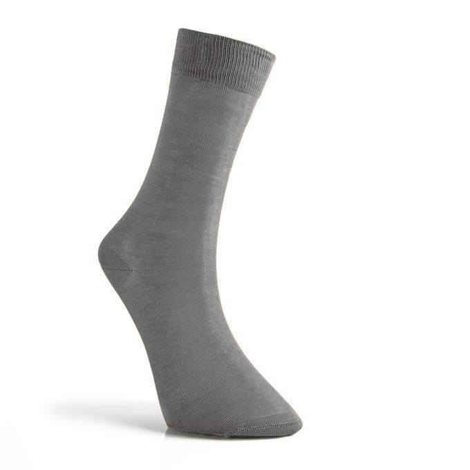 جوارب شراب رصاصي غامق Socks Fashion