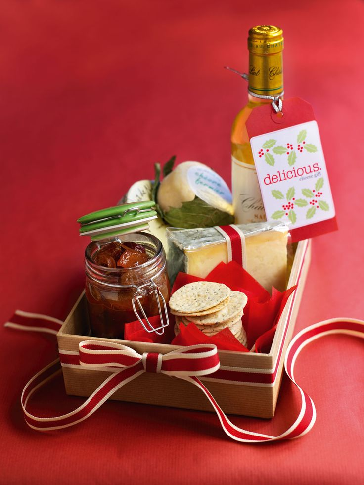 Do you have a cheese fiend in your life? Then how about making a parcel up of these crackers, our Pear chutney and some top-notch cheese? You'll have a friend for life. Can be frozen.
