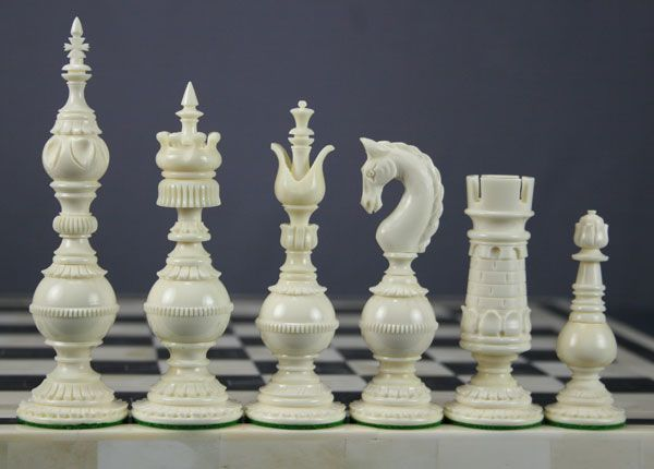 Google Image Result for http://www.thechesspiece.com/indian/SplitBishopGreen/splitbishop_chess_setGW600.jpg
