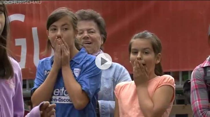 Frauen-Fußball-Fest: Tag im Zeichen des Frauenfußballs mit Turnier und Promis auf dem Dr.-Ruer-Platz in Bochum anlässlich der Frauenfußball-WM.