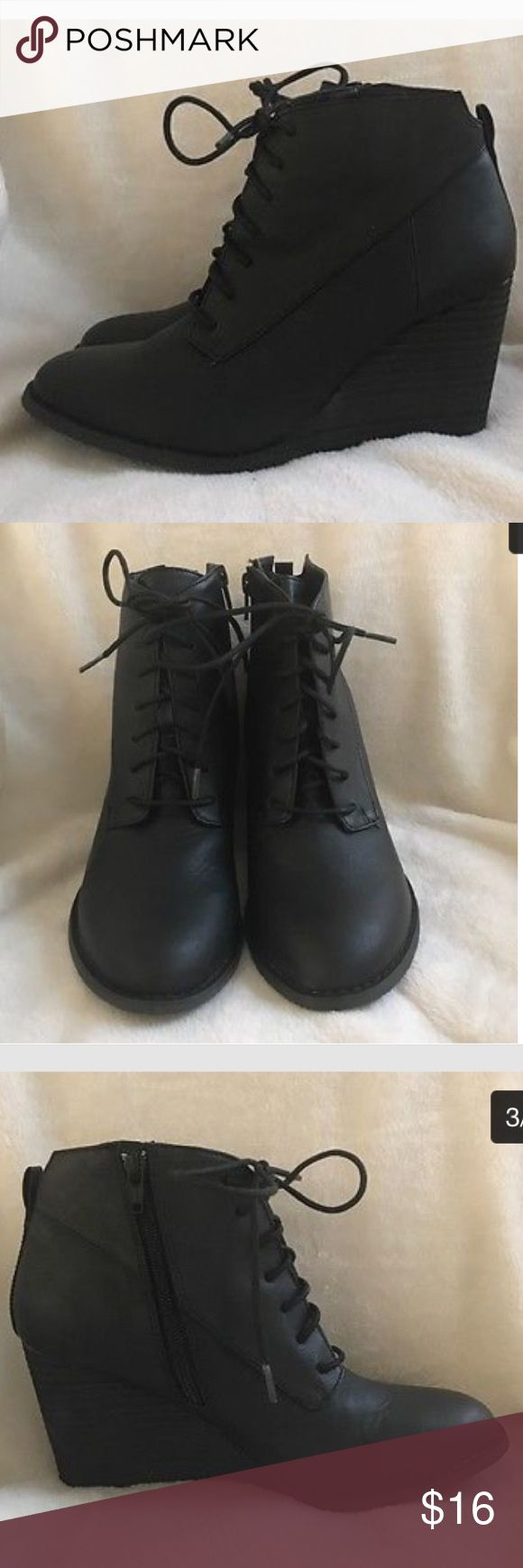 Diba Women's Black Wedge Ankle Boots Size 8M Great black ankle bootie. I maybe wore them once. True to size. Diba Shoes Ankle Boots & Booties