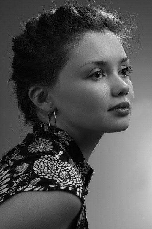 kinopoisk.ru-Olga-Kuzmina-2366990.jpg (512×768)