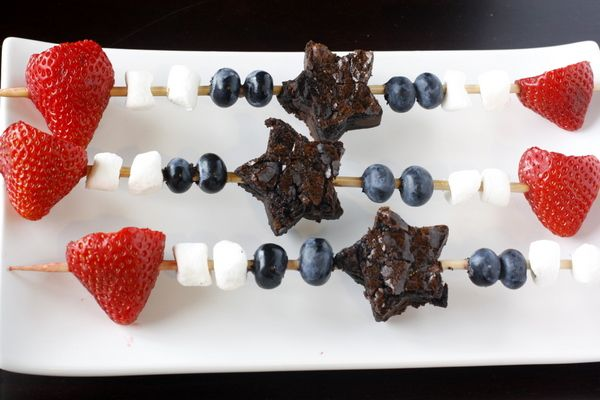 4th!!: Desserts Recipes, 4Thofjulydessert 4Thofjulyidea, July Brownies, 4Th Of July, July Kabobs, Brownies Skewers, July Ideas, Patriots Brownies, Desserts Skewers