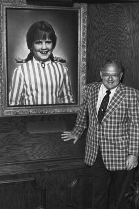 """Wendy's founder, Dave Thomas American international fast food restaurant chain founded by Dave Thomas on November 15, 1969, Columbus, Ohio. Thomas named the restaurant after his eight-year-old daughter Melinda Lou, whose nickname was """"Wendy""""."""