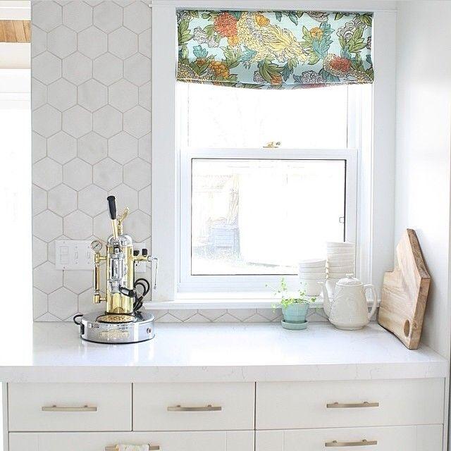 Kitchen Backsplash Corner: Best 25+ Hexagon Backsplash Ideas On Pinterest