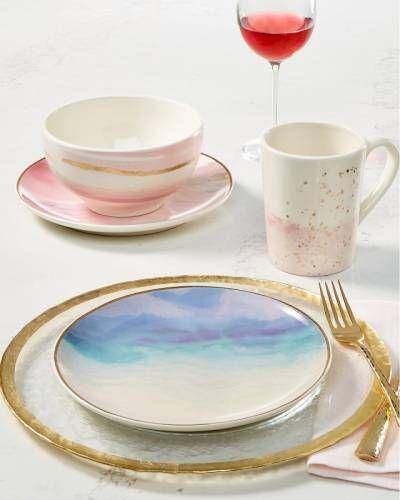 SiempreMujer.com: Vajilla tonos pastel Spider Girl, Rice Bowls, Pink And Gold, Vivid Colors, Hue, Dinnerware, Tea Cups, Bedroom Decor, Plates