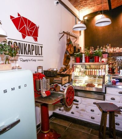 """BUDAPEST - Sonkapult One of the most exciting breakfast places in Budapest has reopened in Rumbach S. street. SONKAPULT is traditionally mixing Mediterranean delicacies and Hungarian specialities in this supercool spot in the heart of the Jewish disctrict. The guys and girls of """"SONKA"""" has tried to create a haven for people who respect their food and happily try out new tastes. So many kinds of ham, bread, coffee, tea, beer, wine and all the other foods and drinks are only waiting for you!"""