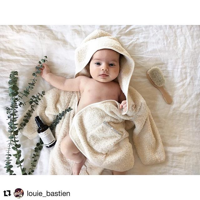 What a super cute baby @louie_bastien 👶🏼 ! Thank you for this wonderful picture with our organic baby oil!! 💕
