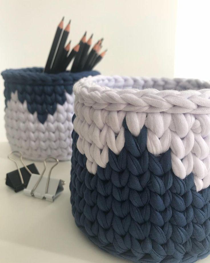 Cestos pequenos, mas cheias de amor #handmade #fiodemalha #decoração #decor #detalhes #cestos #crochet #crochetdesign #boatarde #feitoamao #artesanato #ganchilho #crochetlove #crochetdesign #instadecor #instadesign
