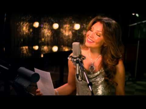 "Tony Bennett duet with Thalía - ""The Way You Look Tonight"""