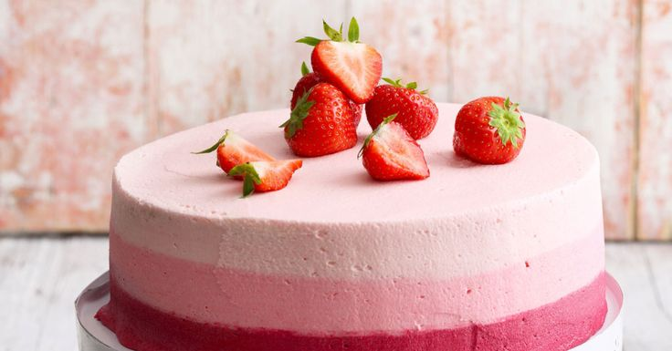 Ob mit drei, vier oder fünf Farben - diese Torte ist ein echter Hingucker. Die Spritz- und Einstreichtechnik ist superschnell und gibt einen echte ...