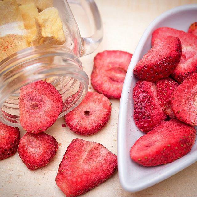 ¡Crocanticas golosinas saludables de  pura fruta! ¡Pruébalas!  🍃🍃🌼🌸🌺 🍏🍌🍍🍓🍊 #Frunch #frutaliofilizada #lifestyle #style #crocante #frutacrocante #fruta #mango #fitness #breakfast #cereal #frutas #fruit #strawberry #fresas #fresa #mango #uchuva #babana #strawberry #apple #healthysnack #parfait #fitnessaddict #recets #tasty
