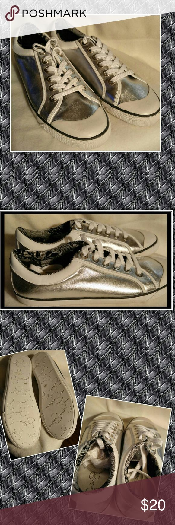 Jessica Simpson CASEE Silver flat sneaker 9.5 NEW Jessica Simpson  CASEE Silver Flat sneaker  9.5  NEW Jessica Simpson Shoes Sneakers