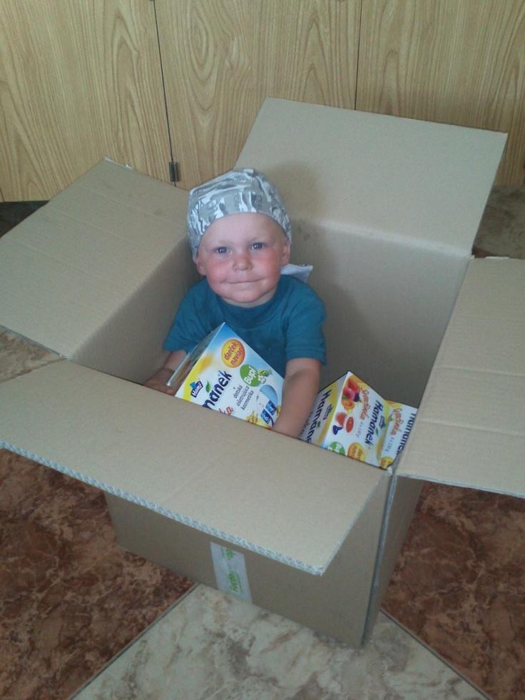 Malý huncút v škatuli :)