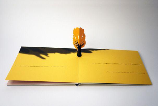 little tree komagata - Aquest llibre pop-up ensenya els diferents cicles i estacions de la vida d'un arbre.