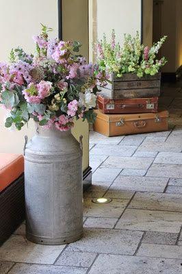 Bodas Vintage En Jardin, Decoración Vintage, Boda De La Vendimia, Estilo Vintage, Decoracion Vintage Casa, Decoracion Con Flores, Bieja Decoracion,