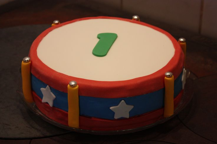 Drum cake for a little drummerboy's first birthday