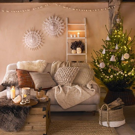 47 best Christmas Living Rooms images on Pinterest Christmas