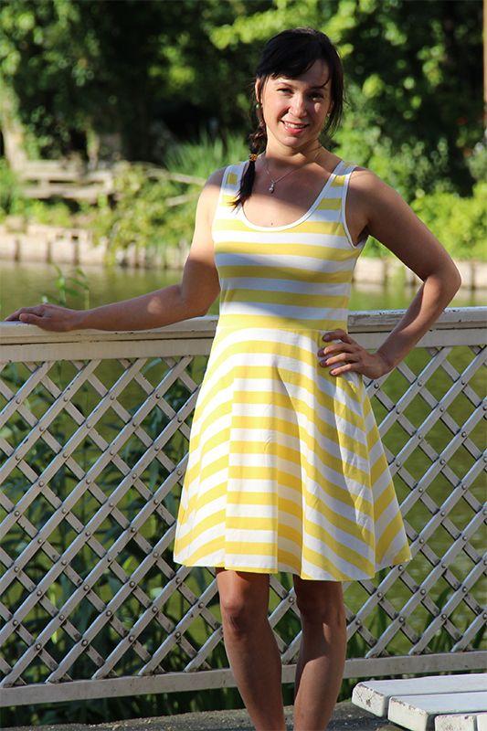 ---✄--- Nähe ein sommerliches Skaterkleid aus Jersey mit Trägern und einer hübschen Schleife ganz einfach selber! ---✄---