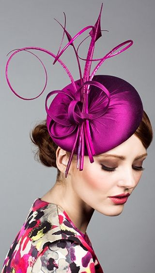 Rachel Trevor Morgan, S/S 2014. Silk taffeta pillbox with curled feathers. #passion4hats - Fascinator