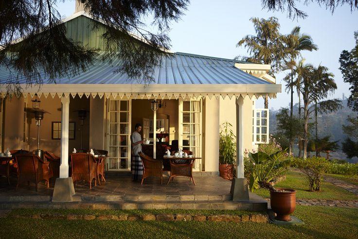 """""""Au Tea Trails, vous observerez la vie d'une plantation et apprécierez les attentions délicates de votre majordome personnel. Un lieu idéal pour des excursions à vélo sur les routes en lacet, avec le paysage époustouflant des montagnes, lacs et cascades en arrière-plan."""" - Relais&Châteaux - Ceylon Tea Trails - www.resplendentceylon.com"""