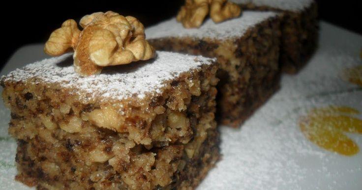Almás-diós kevert Aranytepsi oldalán találtam ezt a nagyszerű receptet, amit ezentúl rendszeresen fogunk sütni, annyira bevált :) Pikk-...