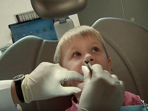 Цена на удаление зубов любой сложности ребенку в стоматологической клинике «ДЕНТиК Люкс»   http://www.dentiklux.ru/cena-na-udalenie-zubov-lyuboj-slozhnosti-rebenku.html ... При обращении в стоматологию «ДЕНТиК Люкс» вашему ребенку будет предоставлена грамотная помощь опытных специалистов, а цена на удаление зубов любой сложности ребенку составит от 3000 рублей за единицу. Звоните и записывайте своего ребенка на прием к нашему специалисту!