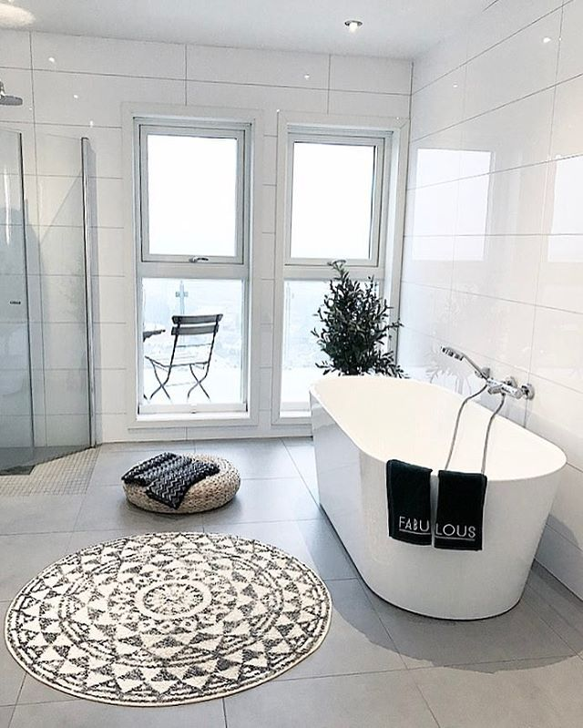 Lovely sunday evening  Been with family and relaxed before a new week is up.   Enjoy the rest of the day   ............................................................................  ..#charmingsunday @futurenordichome #bathroom  @interior4you1 #rom123bad @interior4all #boligplussnvh2017 #rørkjøp @rorkjop #interior9508 #villavangsnes #interiørmagasinet #bjerkaninterior #interiorforinspo #interior125 #interior444 #nordicinspiration #interiordecor #interior4all #passion4interior #interi...