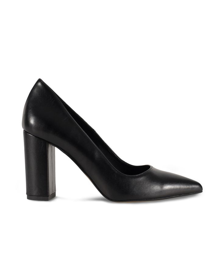 SANTE pointed toe and block heel pump for classy looks... Black